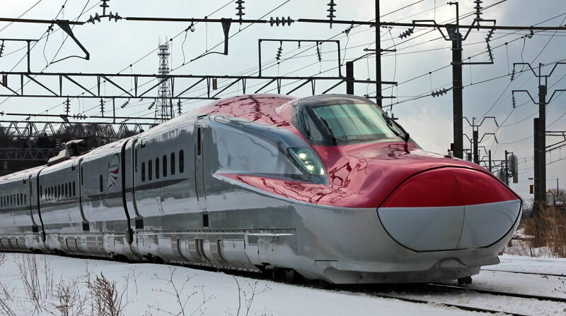 Kereta tercepat di Dunia Jenis Komachi