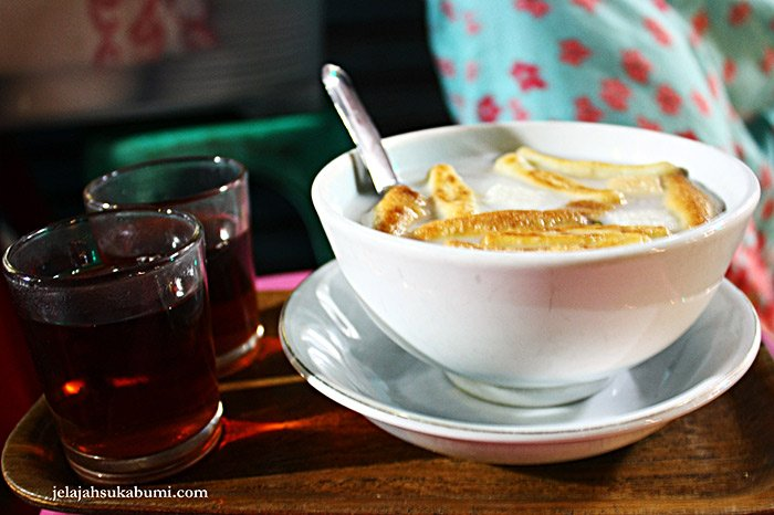 Makanan Khas Sukabumi Sekoteng