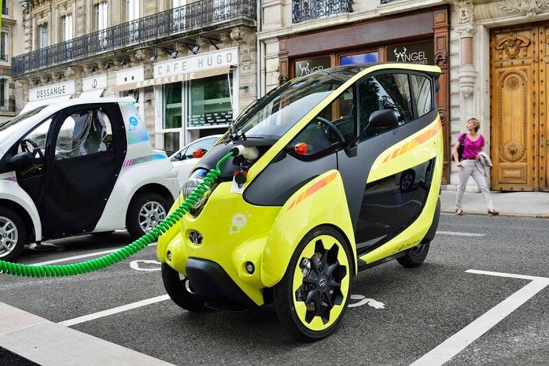Mobil Roda Tiga
